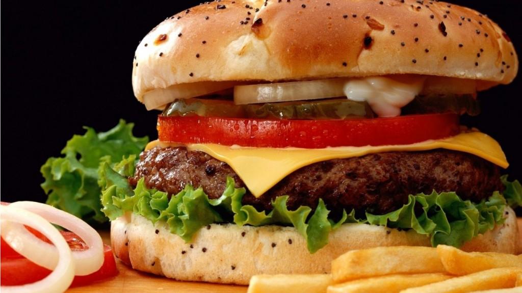 Нездоровые пищевые привычки подростков: как с ними бороться?