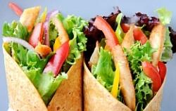 Обед вне дома в 7 раз повышает риск пищевого отравления