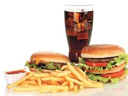Подростковый гастрит: как оградить ребенка от вредной еды