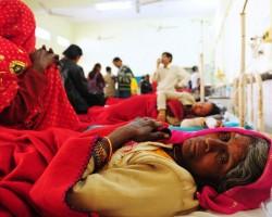 Сотни работников швейной фабрики отравились в Бангладеш