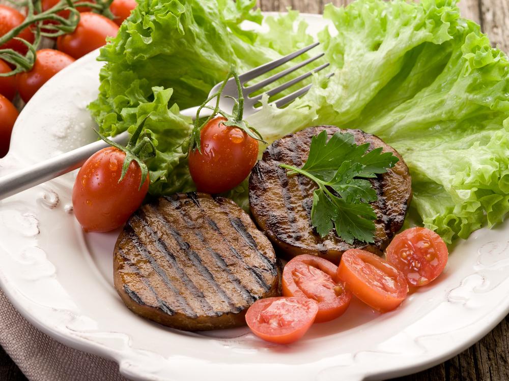 Люди с заболеваниями почек должны полностью отказаться от мяса