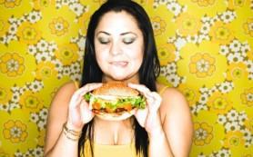 Медики назвали главную причину переедания