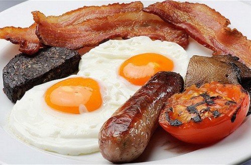 Избыток холестерина в пище запускает развитие заболеваний кишечника