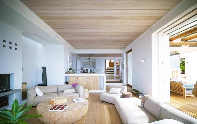 Потолок из дерева – стильно, модно, актуально