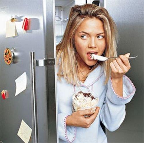 Что нельзя есть перед сном, чтобы не набрать лишнего веса?