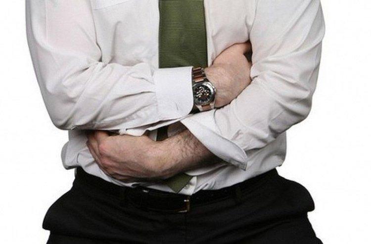 Рези в желудке: почему возникают и как вылечить