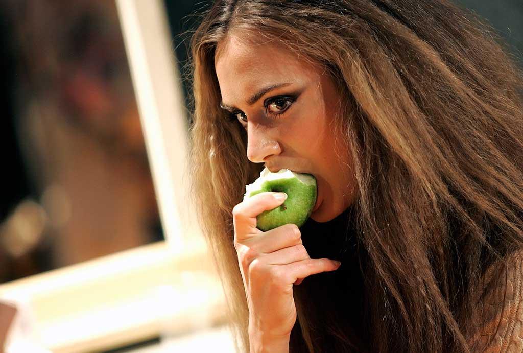 Отказ от калорий не более полезен углеводной диеты