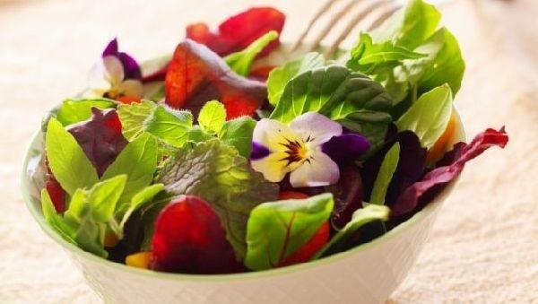 Модная кухня: блюда из… цветов