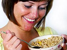 Овсянка на завтрак не дает переедать за обедом