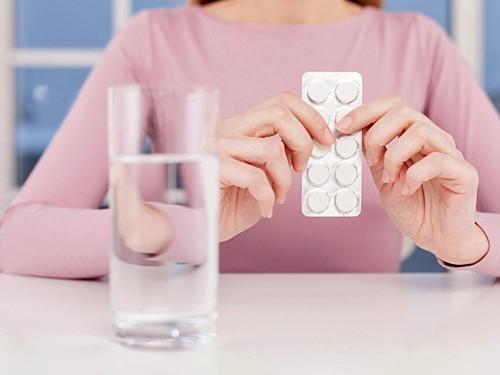 Длительный прием аспирина, возможно, защищает от рака кишечника