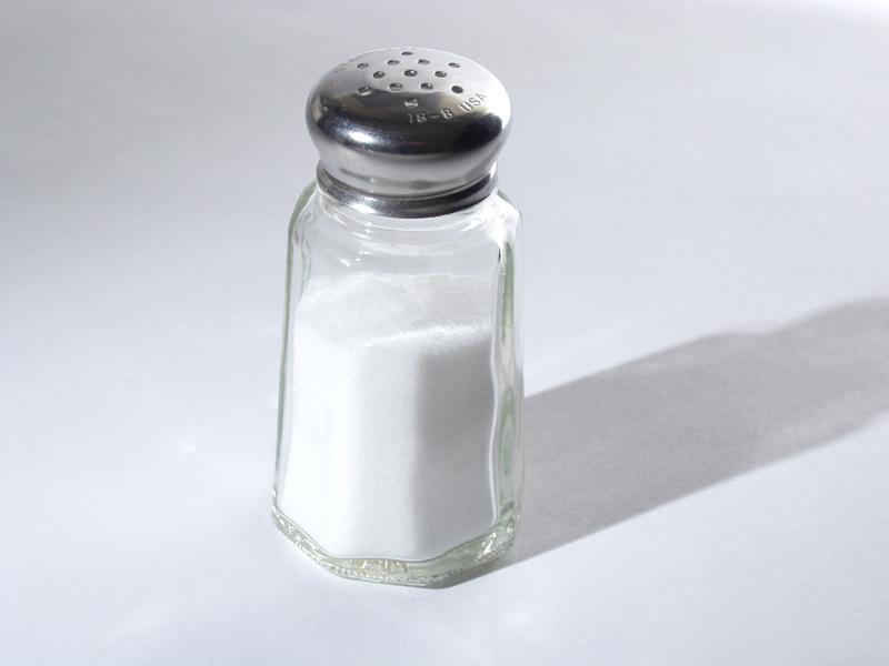 Ученые доказали: 50% случаев гипертонии, инсульта, рака желудка вызваны солью
