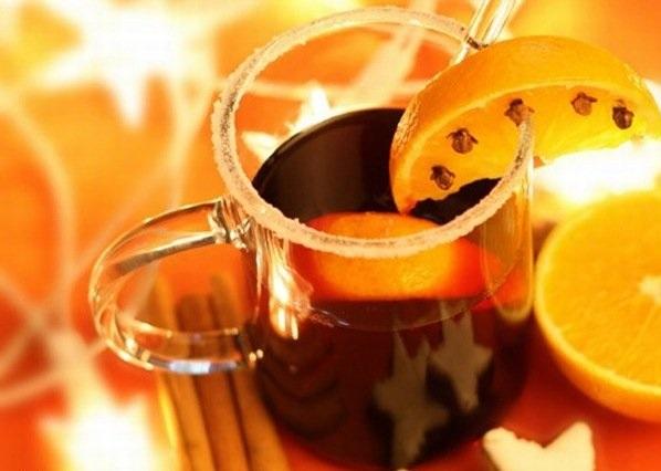 Теплые напитки помогают справиться с запором