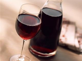 Красное вино полезно для кишечника