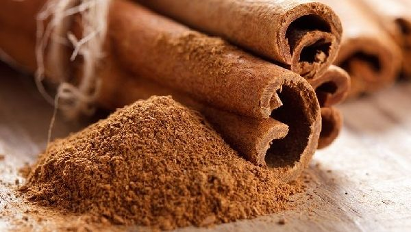 Топ-4 специи, которые «обезоружат» калорийные сладости