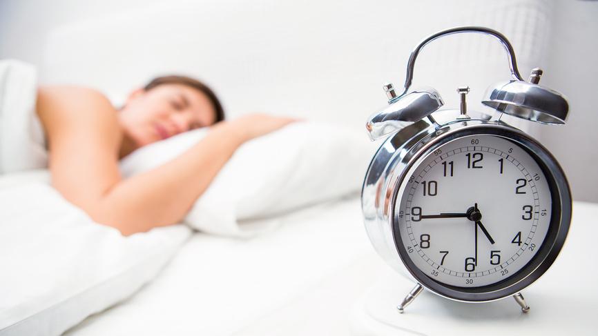 Сон на левом боку спасает от изжоги