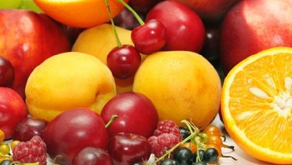 Ученые выяснили, как фрукты помогают нам похудеть