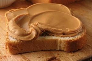 Исследование: арахисовое масло помогает сбросить вес