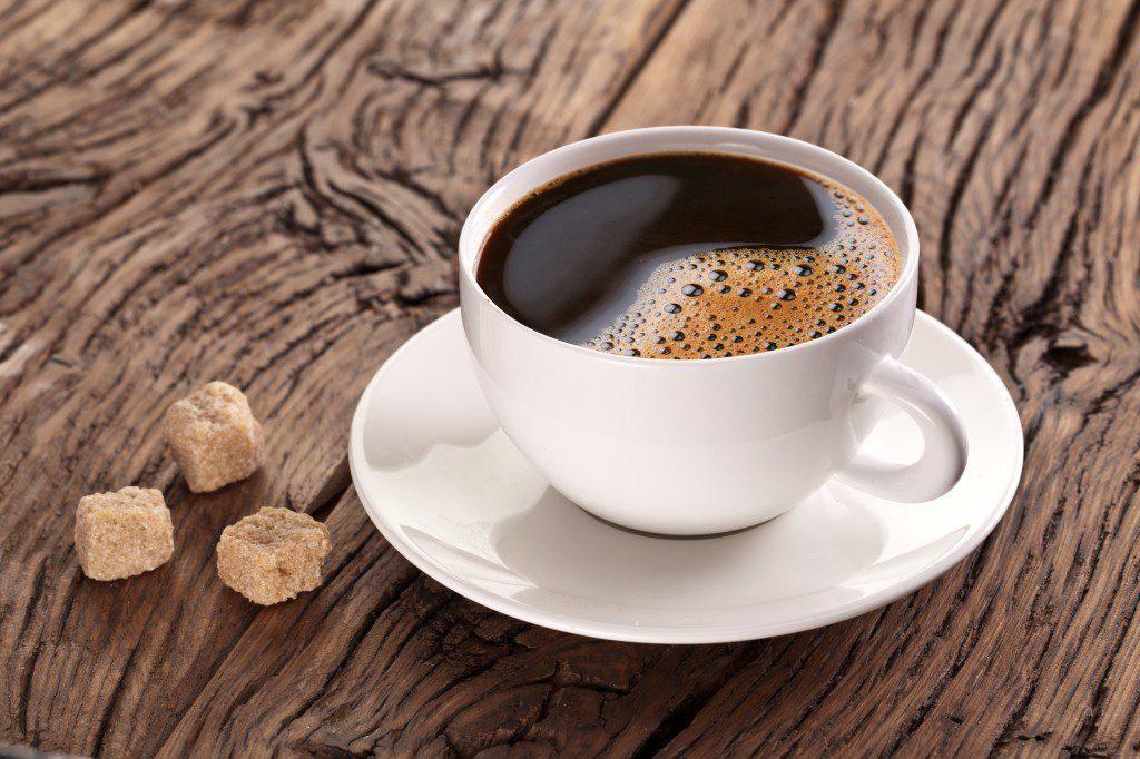 Две чашки кофе, выпитые за день, защитят от рака кишечника