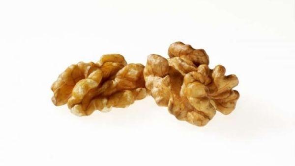 Грецкие орехи защитят от рака кишечника