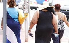 Ученые связали ожирение с недостаточным потреблением воды