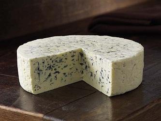Ученые обнаружили уникальные свойства сыров с плесенью