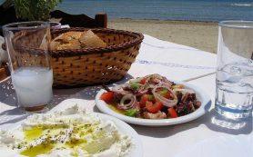 Запивание еды приводит к возникновению заболеваний желудка