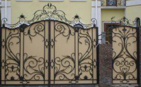 Кованые ворота: особенности и преимущества