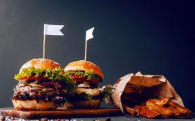 Высокосолевая диета провоцирует чувство голода, но не жажды