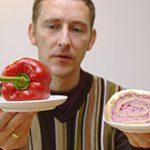 Генетики выяснили, почему людям сложно изменить привычный рацион питания