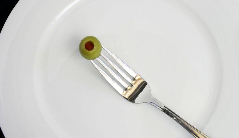 Голодание через день оказалось не лучше низкокалорийной диеты