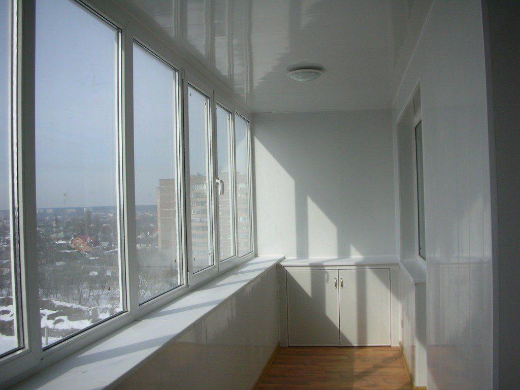 Как самостоятельно застеклить балкон.