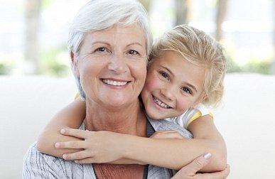 Досуг молодой бабушки: еще не на пенсии, а уже вяжет