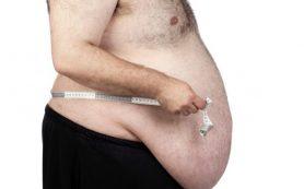 Причиной обжорства является дефицит гормонов насыщения