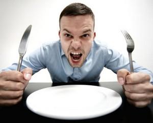 Людям не стоит принимать решения на голодный желудок