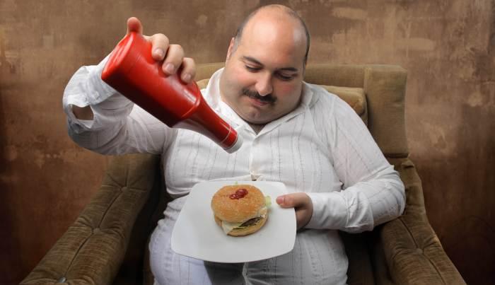 Почему мужчины набирают лишний вес?