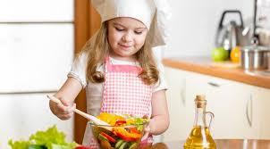 Как научить ребёнка готовить?