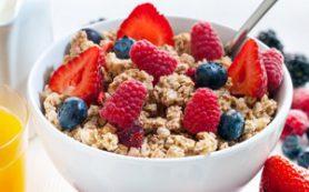 Завтрак может предотвратить ожирение и проблемы с ЖКТ