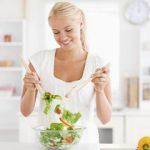 Гастроэнтерологи рассказали, как избежать повторного набора массы по окончанию диеты