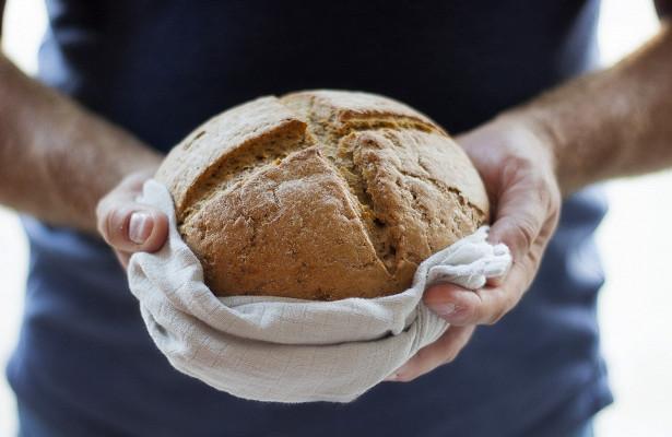 В чем опасность дрожжевого хлеба