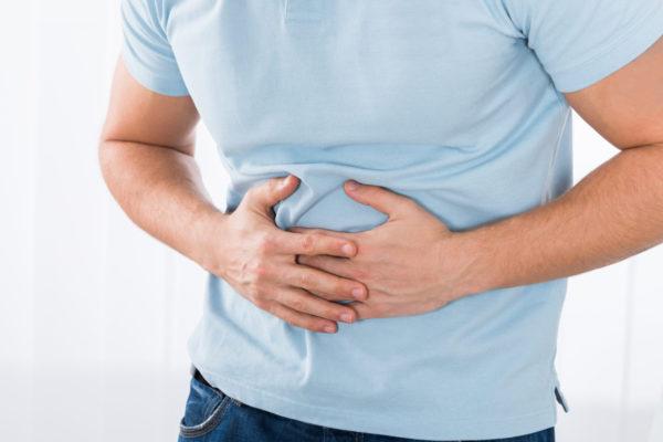 Почему болит живот: 10 причин