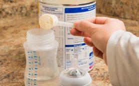 Кормление младенцев молочными смесями впоследствии приводит к ожирению