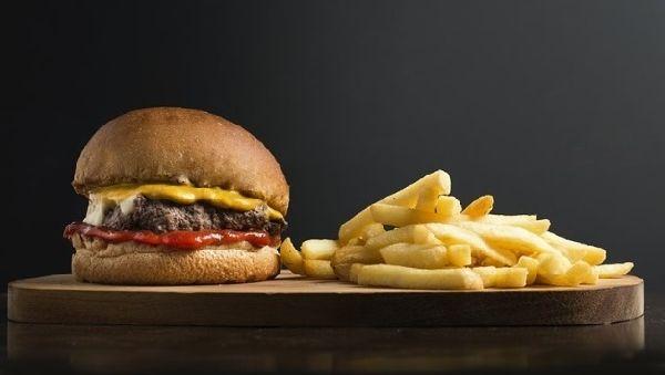 Диета с высоким содержанием жиров может кардинально изменить микрофлору кишечника