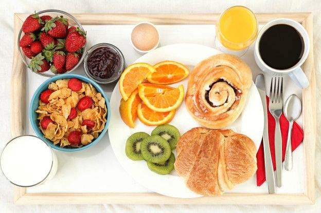 Врачи объяснили, почему не стоит завтракать