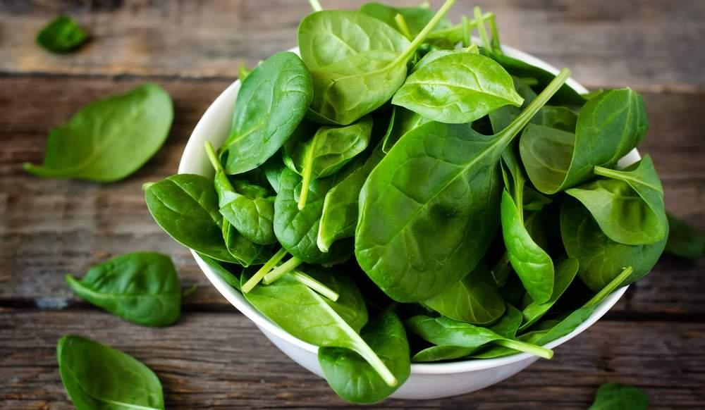 Врачи рассказали, какую зелень нужно есть ежедневно