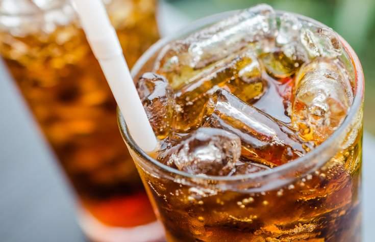 Медики назвали диетический напиток, провоцирующий ожирение
