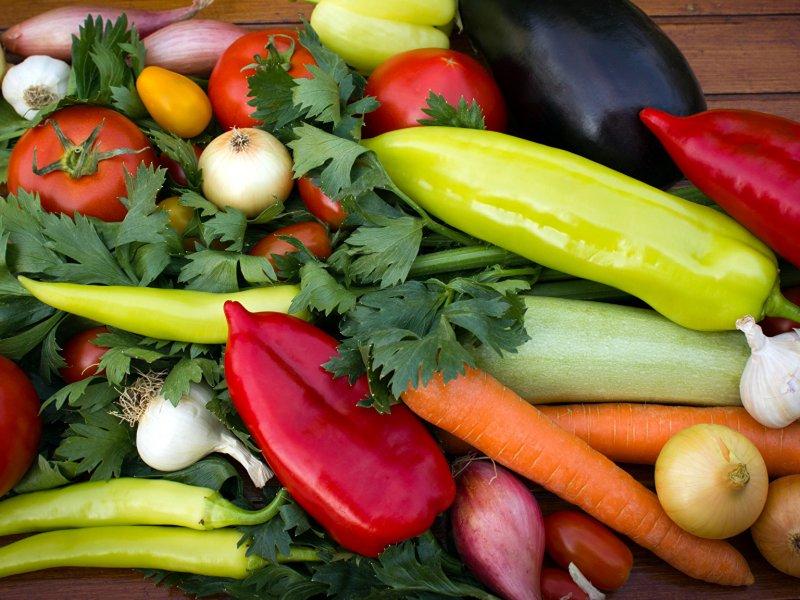 Невероятно, но факт: нечищеные овощи полезнее