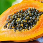 Врачи назвали фрукт, нормализующий работу кишечника