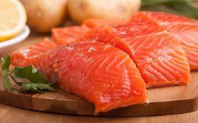 Врачи объяснили, как жирная рыба может повлиять на печень