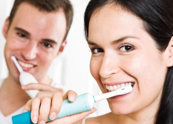 Преимущества использования зубных щеток: чего ждать от современных изделий?