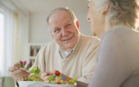 Диета для пожилых людей: больше белка!